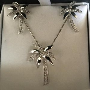 Jewelry - PALM TREE NECKLACE & EARRING SET